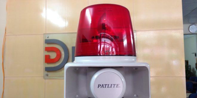 Đèn quay Đèn xoay báo hiệu 32 âm báo 105dB ghi sẵn RT-200A Patlite-Mở Hộp